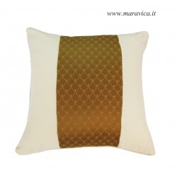 Cushion in  velvet ivory...