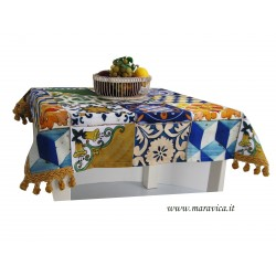 Centerpiece tablecloth in cotton Sicilian majolica print
