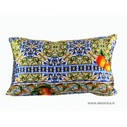 Throw pillow in silk print majolica orange and lemons