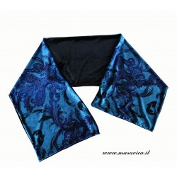 Woman scarf in black and...