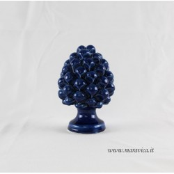 Pigna blu in ceramica di Caltagirone