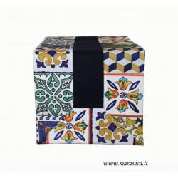 Runner tavolo in cotone blu con bordi stampa maiolica