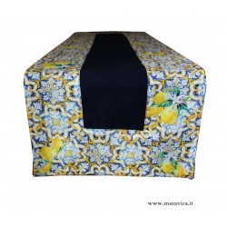 Table runner in blue cotton with majolica and lemon print