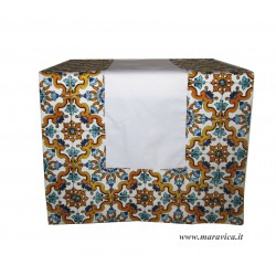 White table runner in cotton majolica print