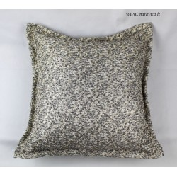 Throw pillow in gold and silver lurex