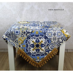 Majolica printed cotton table cloth with trimmings