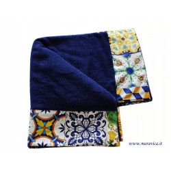 High quality cotton terry beach towel with majolica edging