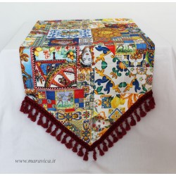 Table runner in cotton Sicilian moorish heads print