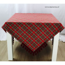 Country chic tablecloth in tartan with trimming