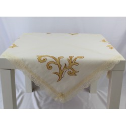 Centerpiece tablecloth in beige linen and lace floreal...