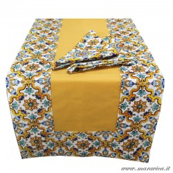 Table runner and 2 napkins in yellow cotton with majolica...