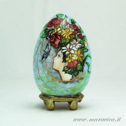 Uovo di Pasqua in ceramica dipinto a mano primavera