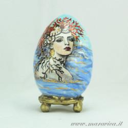 Uovo di Pasqua in ceramica dipinto a mano estate