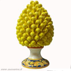 Pigna siciliana gialla con base decorata h cm 30 in...