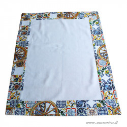 Square centerpiece in white cotton with Sicilian majolica...