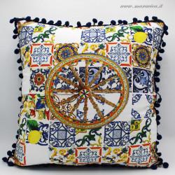 Cuscino siciliano in tessuto maiolica e carretto...