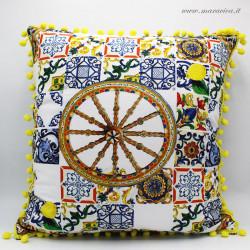 Cuscino siciliano in cotone fantasia maiolica e carretto...