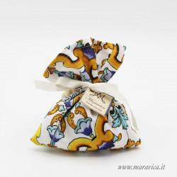 20 bags for sugared almonds in majolica fabric