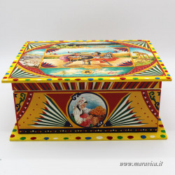 Rectangular wooden box with Sicilian style decoration