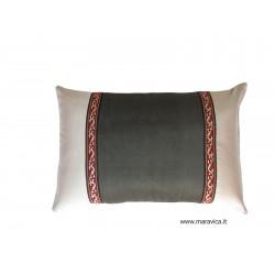 Cuscino arredamento divano grigio